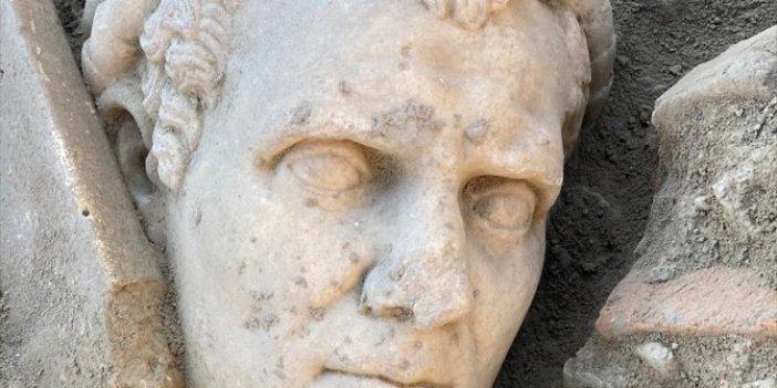 Laodikya Antik Kenti'nde heyecanlandıran keşif! 2000 yıllık rahip heykeli bulundu