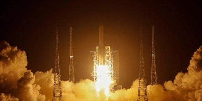 Çin'in keşif aracı Ay'ın yörüngesine girdi
