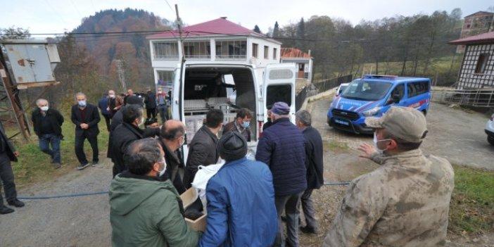 Trabzon'da iş makinesin devirdiği ağacın altında kalan vatandaş hayatını kaybetti