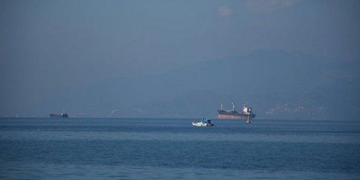 Kuşadası açıklarında 2 kuru yük gemisi çarpıştı