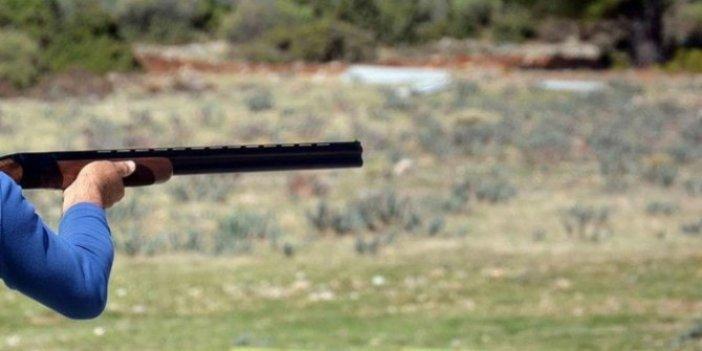 Kaçak avlanan avcı yakalanmamak için milli parklar görevlilerine ateş açtı