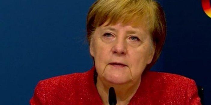 Merkel'den Şahin ve Türeci'ye övgü