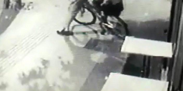 Çaldığı bisikleti süremedi kısa sürede yakalandı, kameralara böyle yansıdı