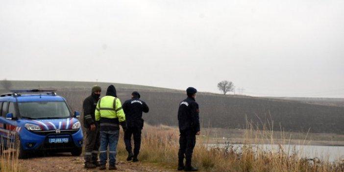 Edirne'de göletin içinde fark edildi. Jandarma alarma geçti