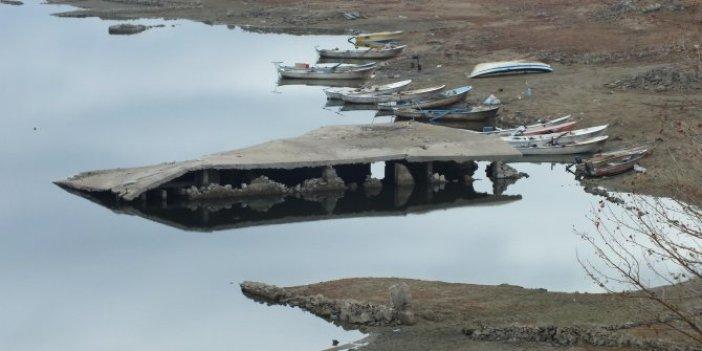 Yozgat'ta baraj suyu çekildi. Hepsi 26 yıl sonra ortaya çıktı