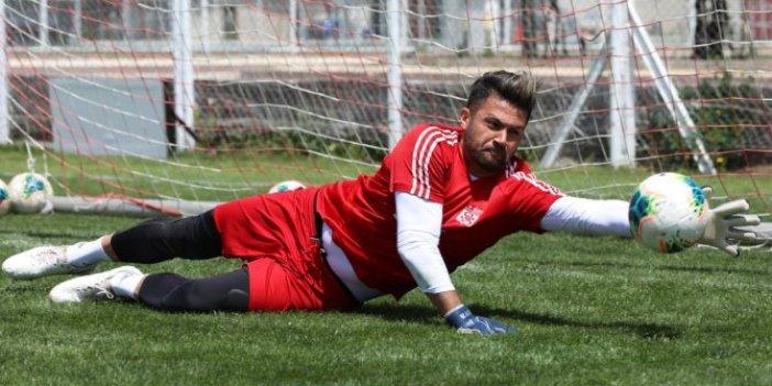 Sivassporlu kaleci Ali Şaşal Vural'ın mutlu günü