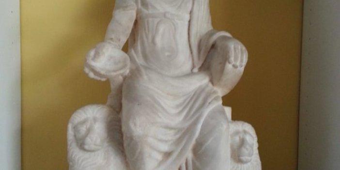 Tam bin 700 yıllık Kybele heykeli, 60 yıl sonra yeniden Türkiye'ye getirildi, İsrail'e kaçırılıp ABD'ye satılmıştı