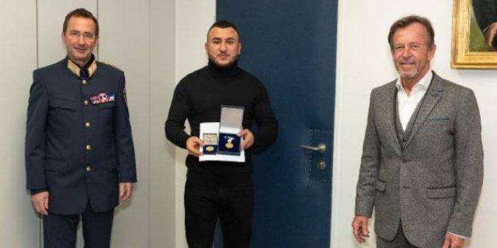 Avusturya'dan Türk gençlere şeref madalyası