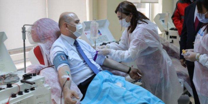 Koronayı  atlatan İçişleri Bakanı Süleyman Soylu immün plazma bağışı yaptı