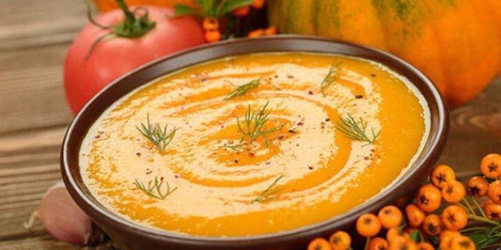 Virüslere kalkan olan sütlü balkabağı çorbası nasıl yapılır. Sütlü balkabağı çorbasının malzemeleri nelerdir. Sütlü balkabağı içinde hangi vitamin vardır