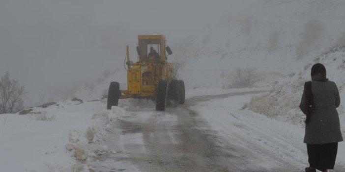 90 köy yolu ulaşıma kapandı