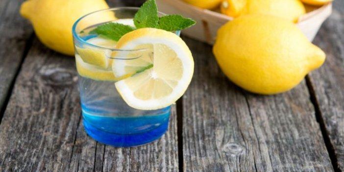 Karaciğerin dostu kanserin düşmanı limonlu suyun mucizevi faydaları