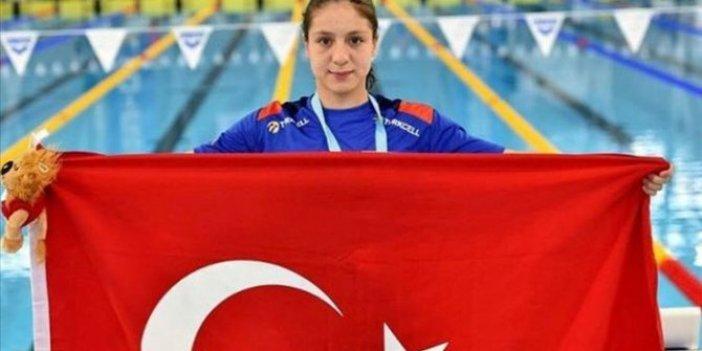 Milli yüzücü Merve Tuncel dünya gençler rekorunu kırdı