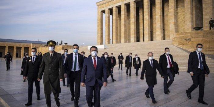 KKTC Başbakanı Ersan Saner Anıtkabir'i ziyaret etti