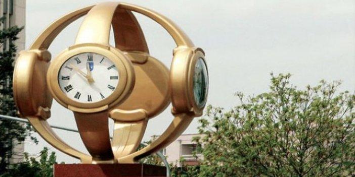 İşte Melih Gökçek'in kol saati yerine yapılacak olan Atatürk anıtı. Görünce ağlayacaksınız