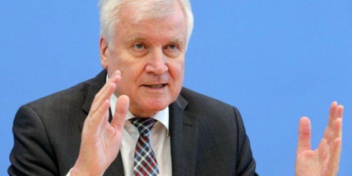 Almanya mültecilerden kurtulmanın yolunu buldu. İçişleri Bakanı Seehofer açıkladı