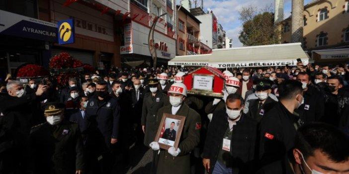 ŞehitUzman Çavuş Mehmet Özbent İzmir'de son yolculuğuna uğurlandı