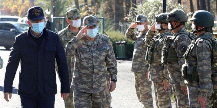 Milli Savunma Bakanı Akar ve TSK komuta kademesi sınırda denetmelerde bulunuyor
