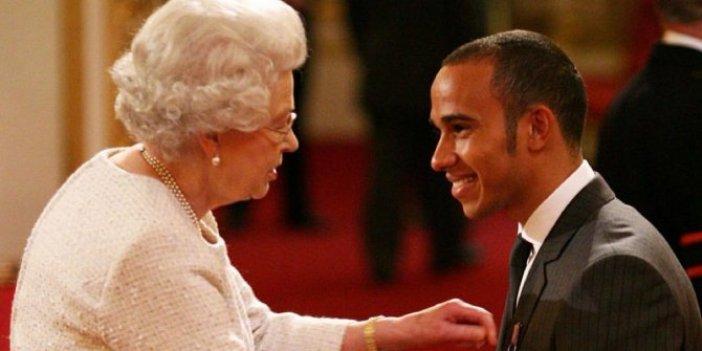 F1'de tarihe geçen Lewis Hamilton'a Britanya'da SİR unvanı verildi