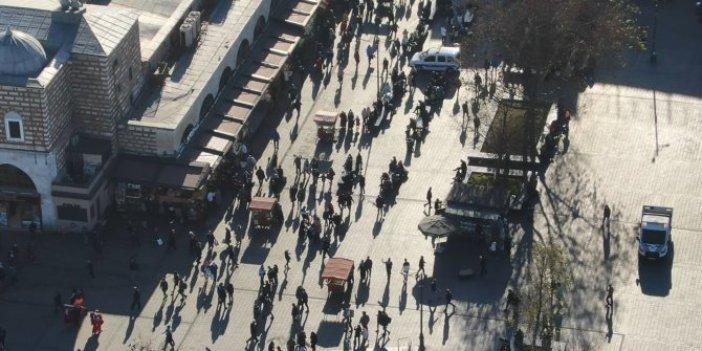 Eminönü'ndeki yoğunluk böyle görüntülendi