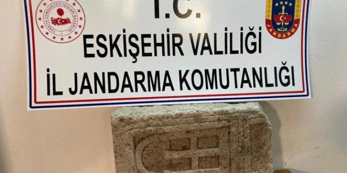 Bizans dönemine ait mezar taşı ele geçirildi