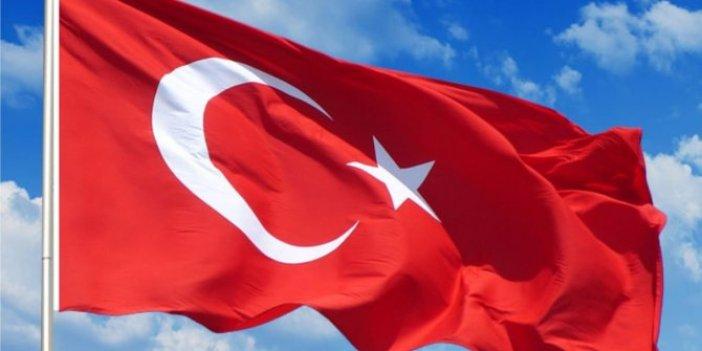Mutlu yıllar Türkiye ve dünyanın bütün iyi insanları. Her nerede yaşıyor ve yaşatılıyorsan