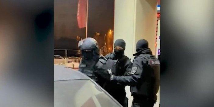 Kimlik kontrolü yapan sahte polislere gözaltı