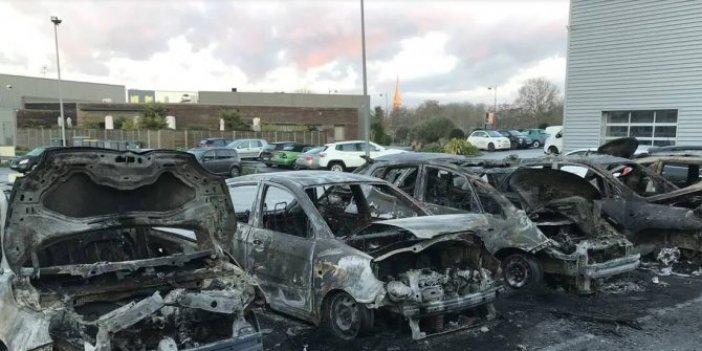 Lüks araçlar çıra gibi yandı