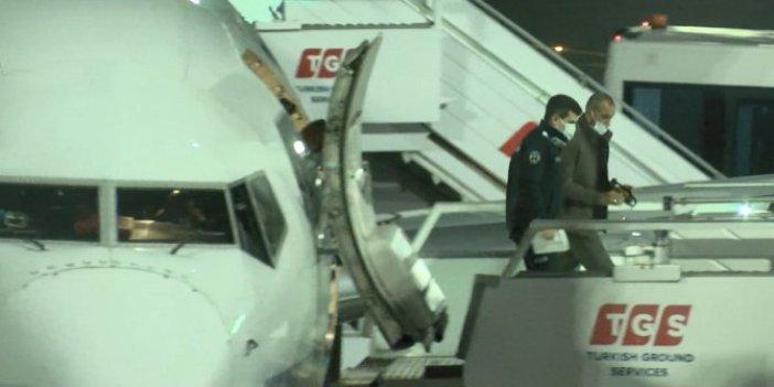"""Kabin ekipleri tuvalette yakaladı. Pilot, kuleye """"hemen polis çağırın"""" dedi"""