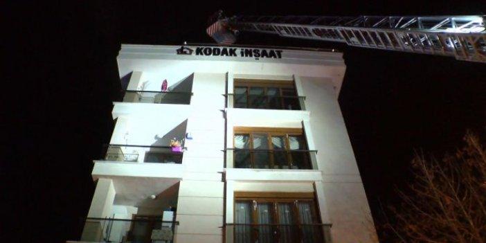 Tuzla'da apartmanda yangın: İtfaiye eri yaralandı