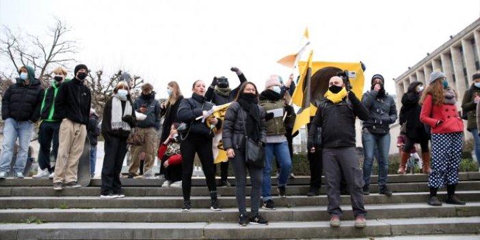 Brüksel'de yasaklar protesto edildi