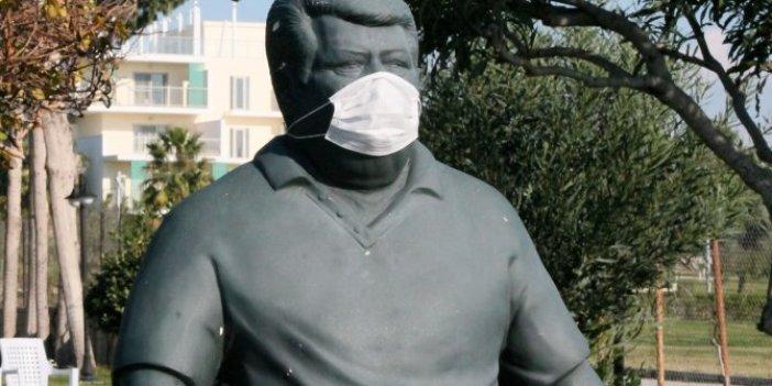 Eski Cumhurbaşkanı Turgut Özal'ın heykeline korona virüs önlemi