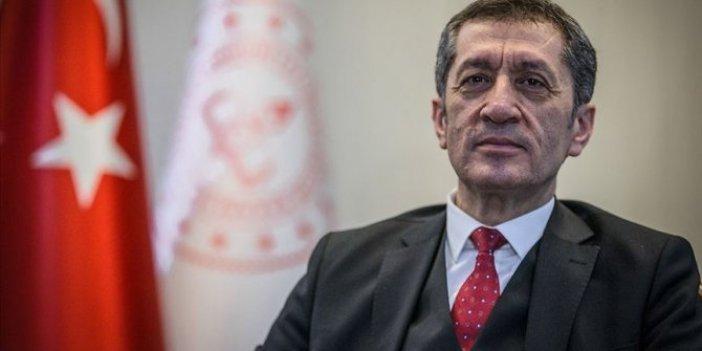 Milli Eğitim Bakanı Selçuk'tan boş spor salonu paylaşımı