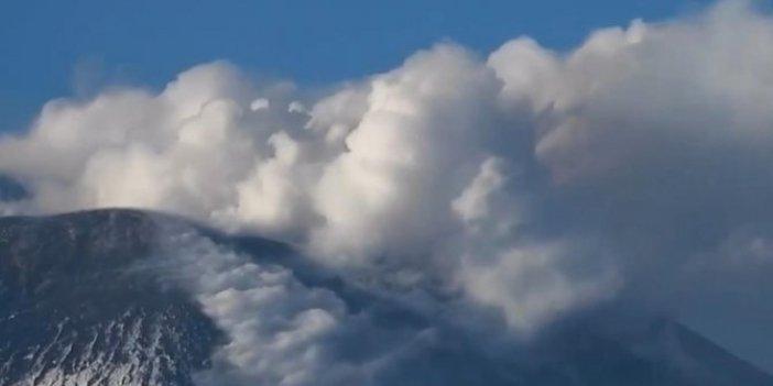 Etna Yanardağı fokurdamaya başladı. Hani 2021 iyi olacaktı