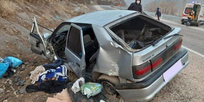Tokat'ta otomobil kayalıklara çarptı: 1 ölü, 4 yaralı