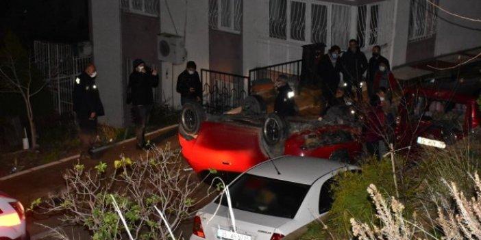 Taklalar atarak araçların üzerine düştü. Film sahnesini aratmayan o görüntüler kameraya yansıdı