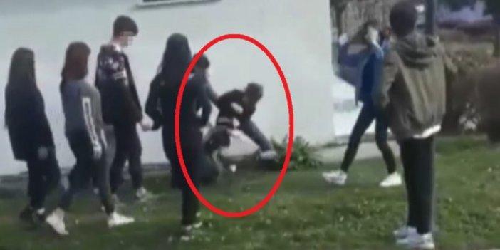 Bursa'da genç kızların erkek kavgası. Üç kız başka bir kızı evire çevire dövdü