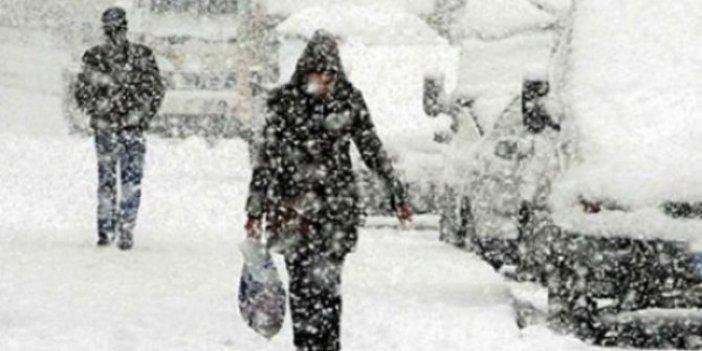 Kar yağışından onlarca kişi hayatını kaybetti
