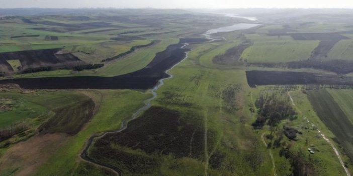 Sazlıdere Barajı'nın suları çekilince ortaya çıktı. Kurumuş göle bakanlar fark etti