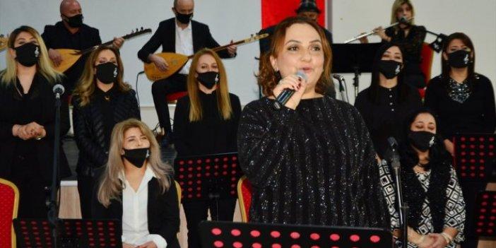 Karabük'te öğretmenler öğrencileri için sahne aldı
