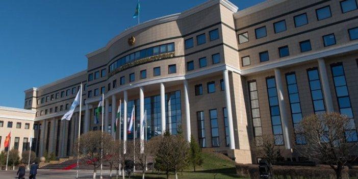 Kazakistan'ta ön planda Türk dili var
