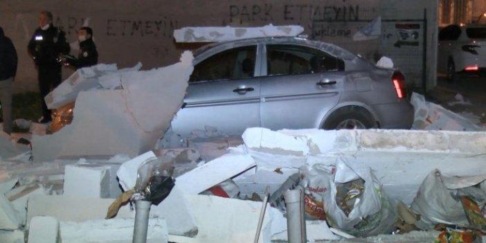 Bursa'da fırtına otomobili pert etti