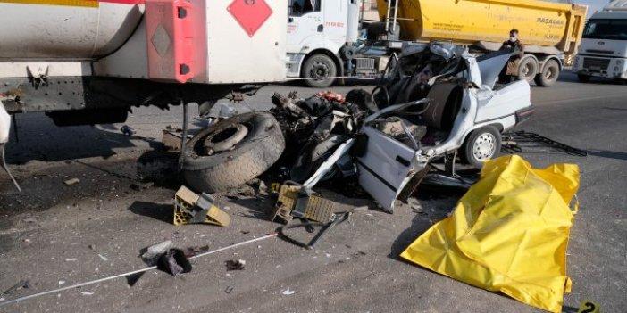 Konya'da feci kaza. Otomobilin halini görenlerin kanı çekildi