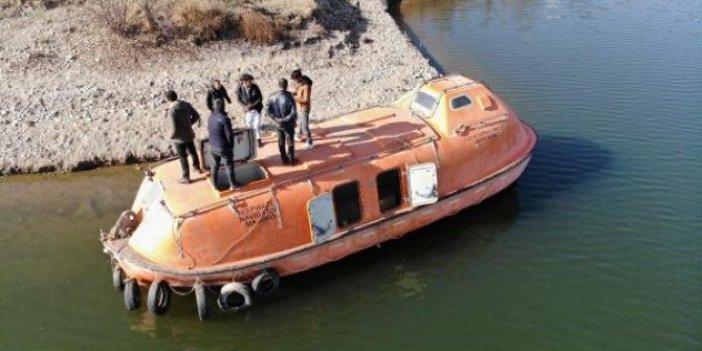 Filikanın deniz altında gittiğine inanan medya bu da uçan filika. Medya ombudsmanı Eray Erollu yazdı