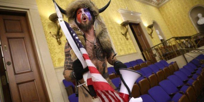 ABD'deki Kongre baskının sembolü olan boynuzlu Viking teslim oldu