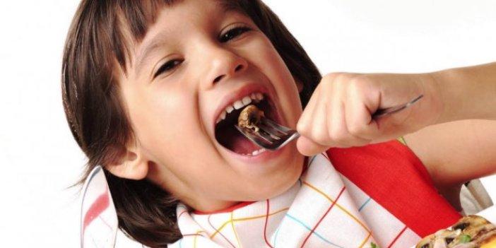 Diyetisyen Derya Zünbülcan resmen kaşık kaşık şeker yiyorsunuz diyerek herkesi uyardı