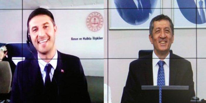 MEB Bakanı Ziya Selçuk MEB çalışanı Ziya Selçuk'la görüştü