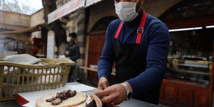 Gaziantep'te kebaplar paket servislerle sahiplerine ulaştı