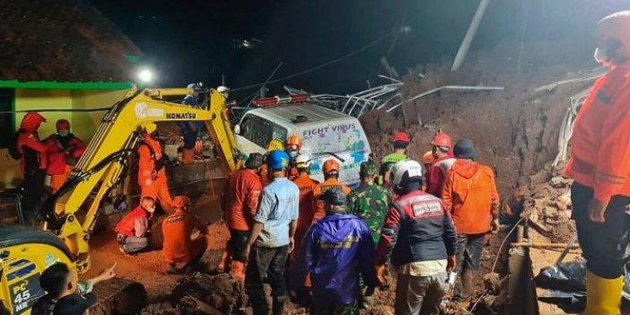 Endonezya'da toprak kayması: 13 ölü
