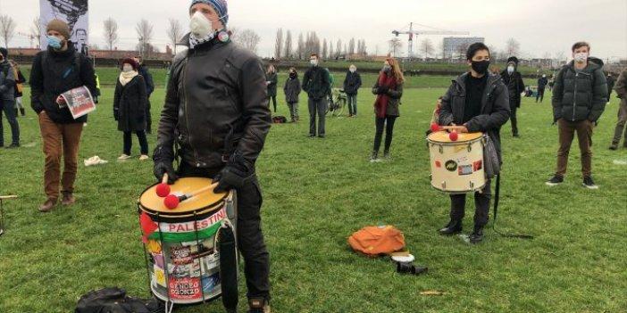 Hollanda'da ırkçılığa protesto
